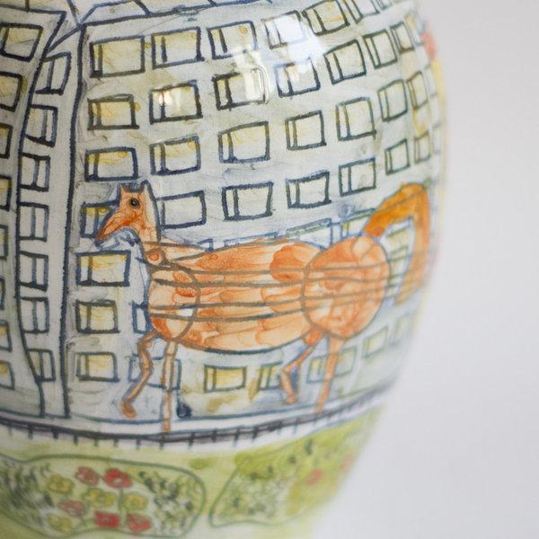 "Особая керамика: ваза ""Парад трамваев"""